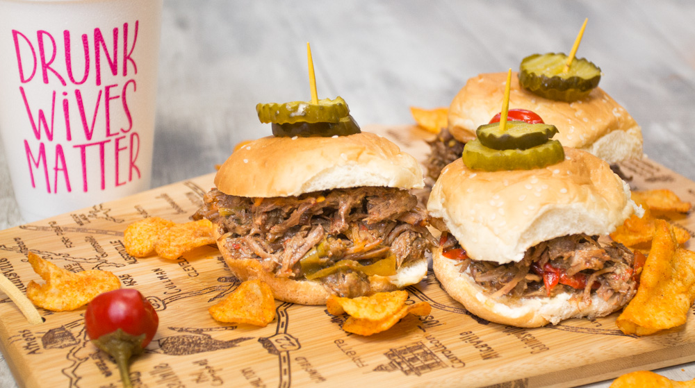 Alabama sliders - delicious, spicy sliders made straight from Alabama pot roast! Make game day great again!
